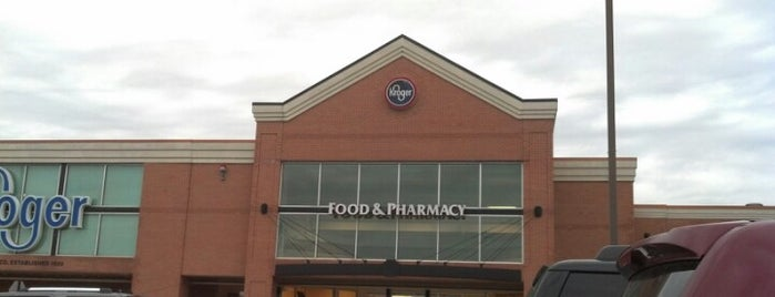 Kroger is one of Lugares favoritos de kerry.
