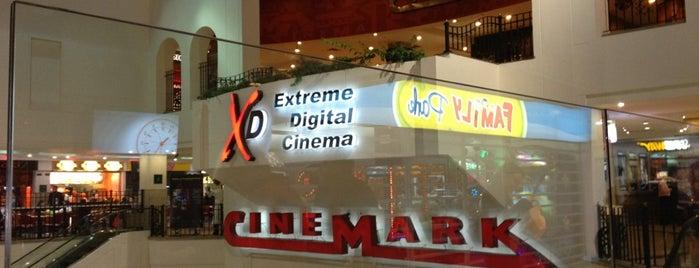 Cinemark is one of สถานที่ที่ Houseman ถูกใจ.