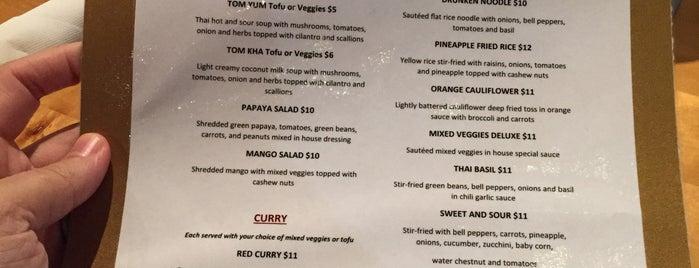 Chon Thai Food is one of Lugares guardados de Heidi.
