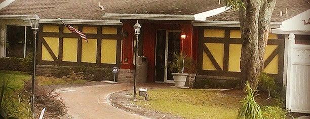 Mulligan's Irish Pub is one of Tampa Eateries.