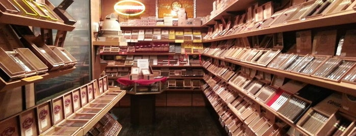 En Fuego Tobacco Shop is one of To Do List.