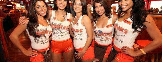 Hooters is one of Lugares guardados de Aline.