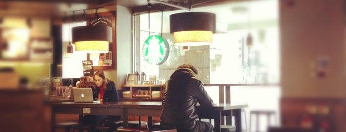 Starbucks is one of Posti salvati di Fran.