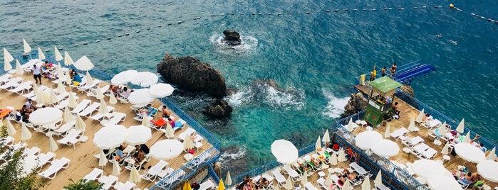 Muratpaşa Beldiyesi  İncir Altı Halk Plajı is one of Lugares favoritos de MeSuT.