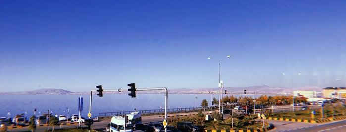 Suvari Hacıoğlu Edremit is one of Orte, die Halil G. gefallen.