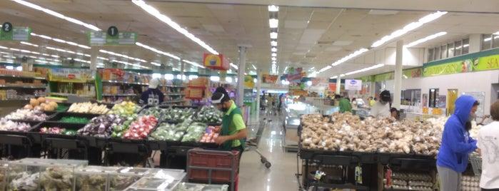 South Supermarket is one of Lugares favoritos de Shank.
