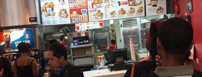 KFC is one of Lugares favoritos de Maurice.