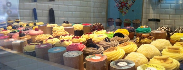 LOLA's Cupcakes is one of London (food).