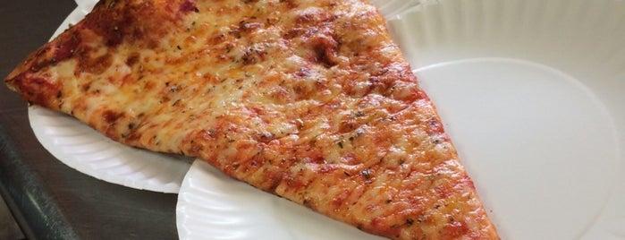 Jupiter Farms Pizza is one of Lugares favoritos de Nury.