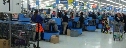 Walmart Supercenter is one of Michaelさんのお気に入りスポット.