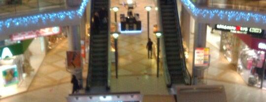 Sennaya Mall is one of TOP-100: Торговые центры Санкт-Петербурга.