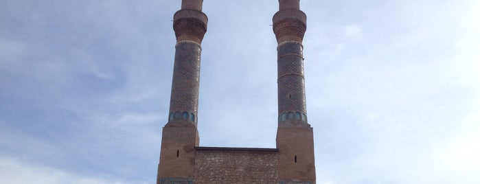 Çifte Minareli Medrese is one of Tanj' H.さんのお気に入りスポット.