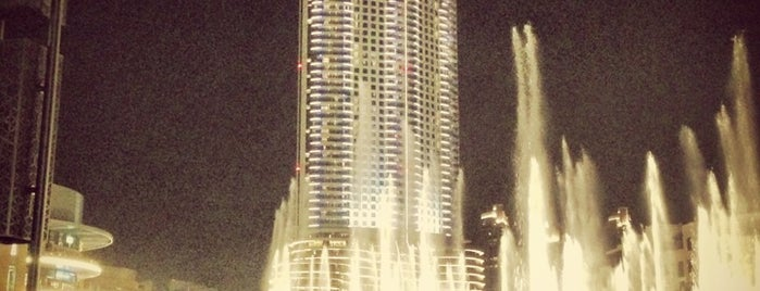 The Dubai Fountain is one of Dubai's very best Places = P.Favs.