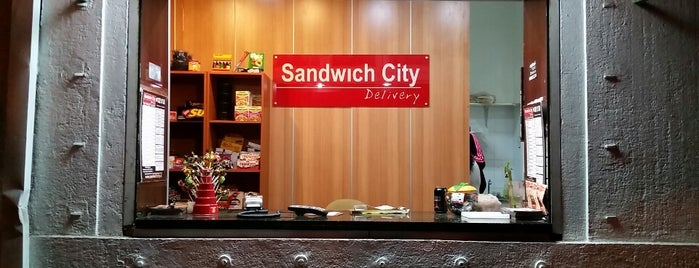 Sandwich City Delivery is one of ᴡさんのお気に入りスポット.
