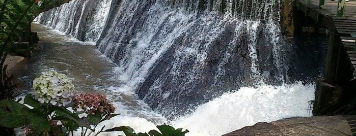 Cachoeira Véu da Noiva is one of Gespeicherte Orte von Josué.