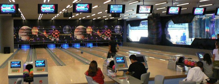 Fame City Bowling is one of Posti che sono piaciuti a Bahar.