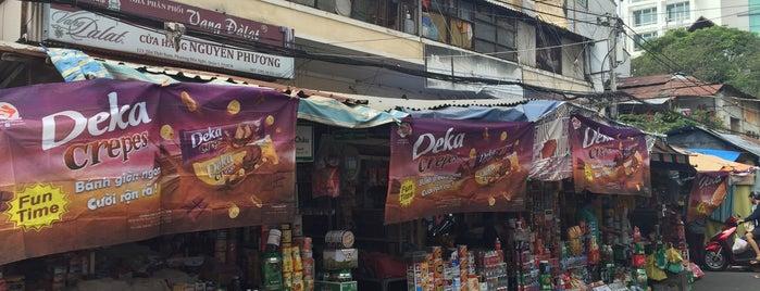 Ton That Dam Market is one of Vietnam - Saigon.