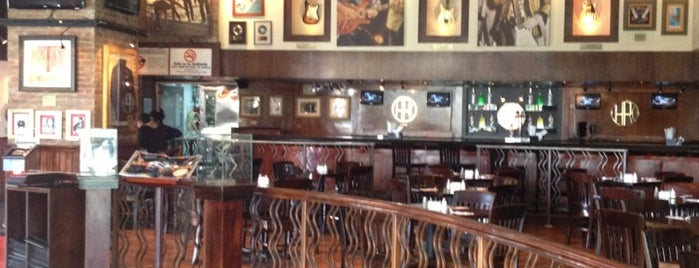 Hard Rock Cafe Caracas is one of Lugares favoritos de Jimmy.