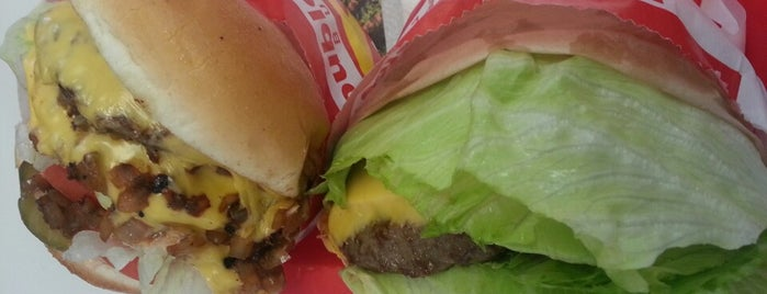 In-N-Out Burger is one of Lugares favoritos de Stephraaa.