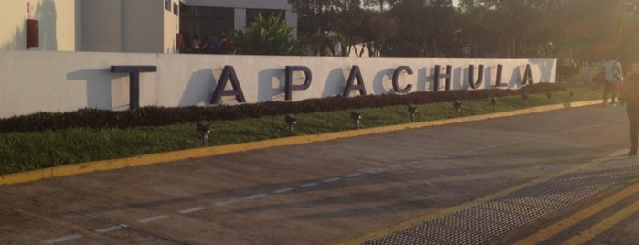 Aeropuerto Internacional de Tapachula (TAP) is one of Locais curtidos por Bob.