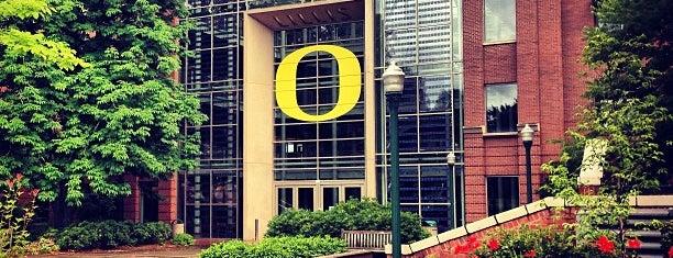 University of Oregon is one of Mackenzie'nin Beğendiği Mekanlar.