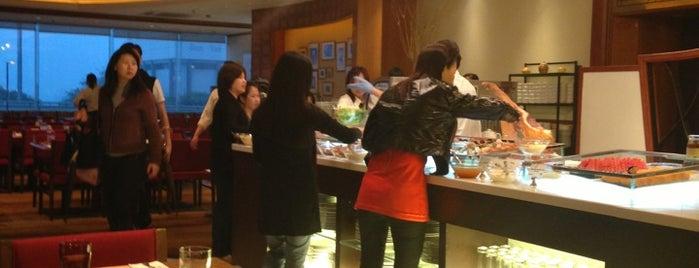 IP Café 薈萃閣 is one of Tempat yang Disukai Lovely.