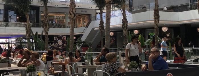 C.C. Nevada Shopping is one of Posti che sono piaciuti a Vanessa.