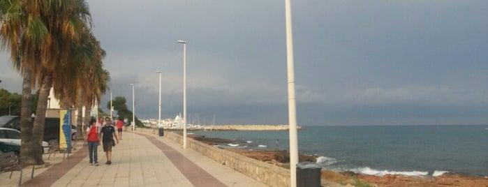 Paseo Marítimo is one of Tempat yang Disimpan Arvas.