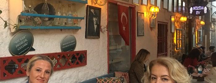 Bizim Ev Restaurant is one of Posti che sono piaciuti a Zuhal.