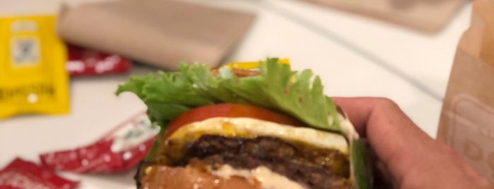 Super Duper Burger is one of Lugares favoritos de Soowan.