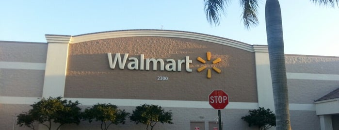 Walmart Supercenter is one of casa blanca.