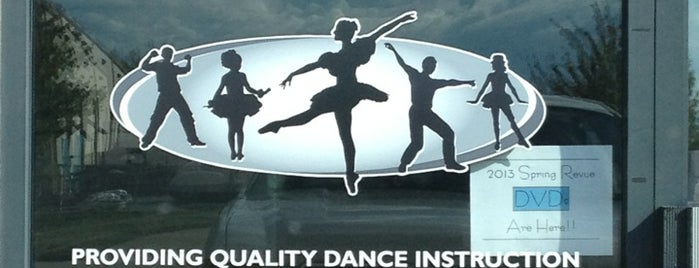 Moore Dance Studio is one of Orte, die Jennifer gefallen.