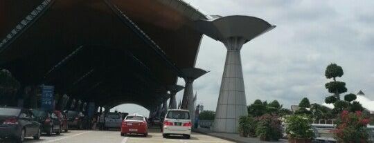 Kuala Lumpur Uluslararası Havalimanı (KUL) is one of Airports of the World.