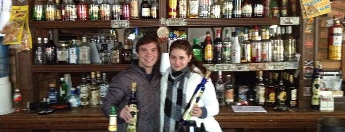 Bar el Corona. is one of Guillermo : понравившиеся места.