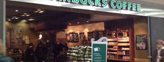 Starbucks is one of Lugares favoritos de Elizabeth.