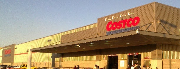 Costco is one of Locais curtidos por Dalith.
