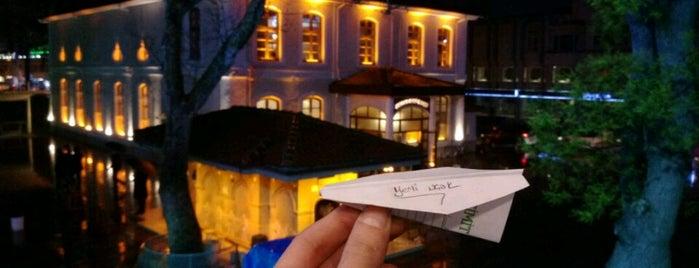 Hoş Seda Cafe & Lounge is one of Locais curtidos por hatice.
