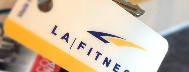 LA Fitness is one of Christopher'in Beğendiği Mekanlar.