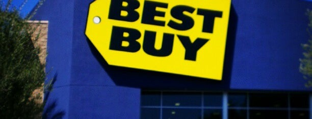 Best Buy is one of Orte, die Thiago gefallen.