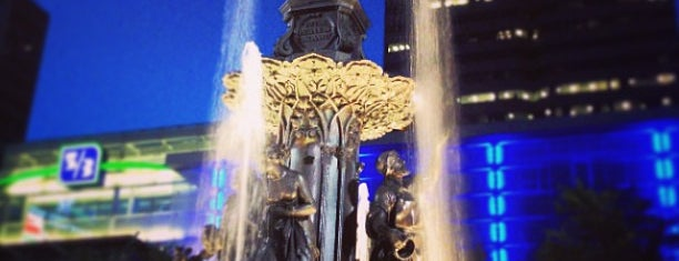 Fountain Square is one of Karen 님이 좋아한 장소.