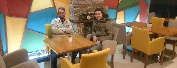 Retro Cafe & Restaurant is one of Merve'nin Beğendiği Mekanlar.