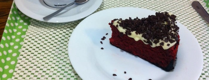 Cheesecakeria is one of Lugares favoritos de Michele.