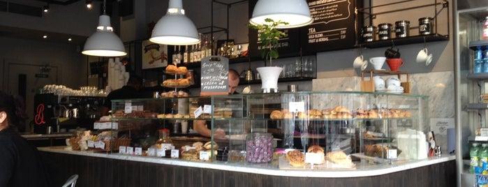 Bewley's Cafe is one of Lloyd's Dublin.