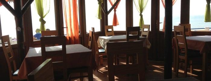 Golfinho Azul is one of Restaurantes.