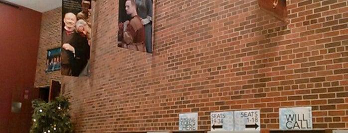 Performing Arts Center is one of Posti che sono piaciuti a Leilani.