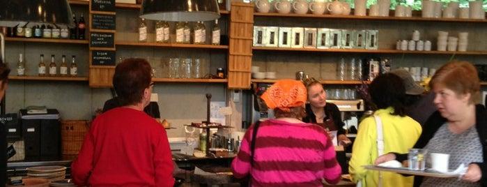 Zetas trädgård och café is one of To-do Stockholm.