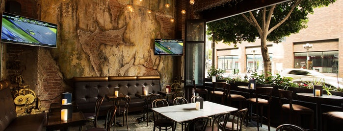 Salvage Bar & Lounge is one of Downtown LA Bars.