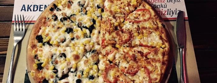 Kırmızı Pizza is one of Emine 님이 좋아한 장소.
