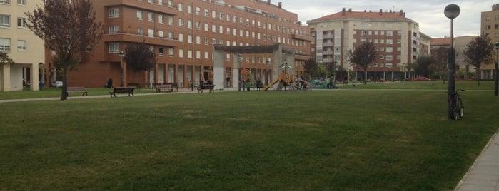 Plaza de Cataluña is one of Locais curtidos por Andoni.