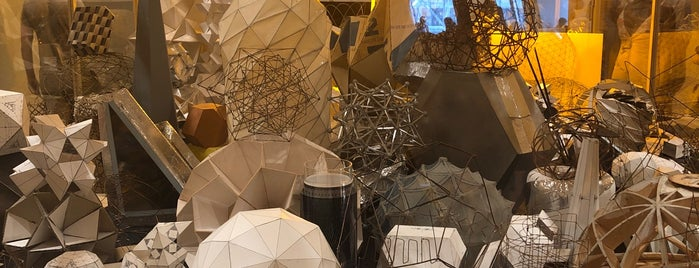 Olafur Eliasson is one of Mike 님이 좋아한 장소.